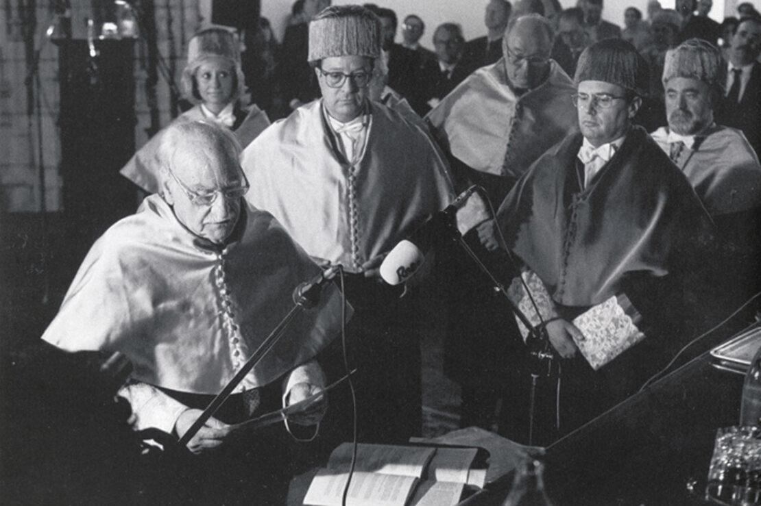 Ceremonia de investidura de Francisco Ayala como doctor honoris causa