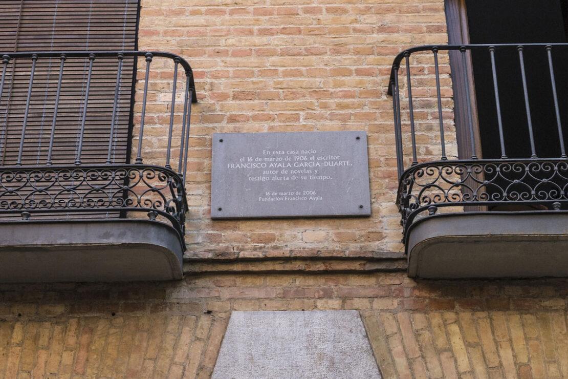 Casa natal del autor en la calle Cristo de San Agustín, Granada.