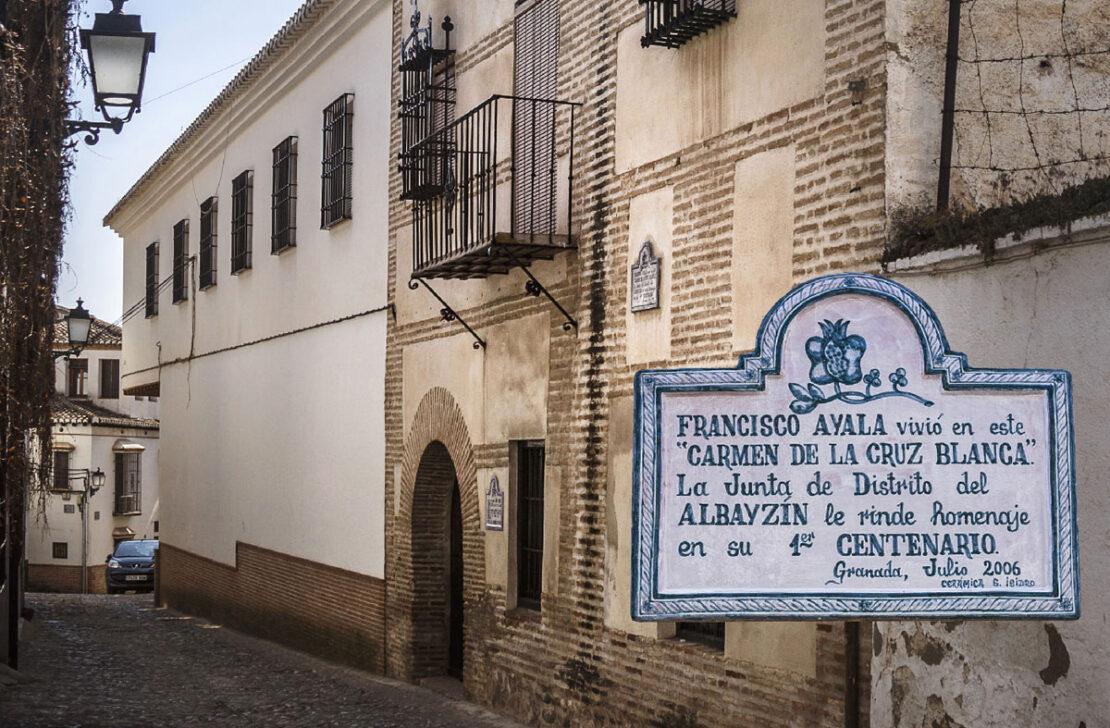 Carmen de la Cruz Blanca, Granada.
